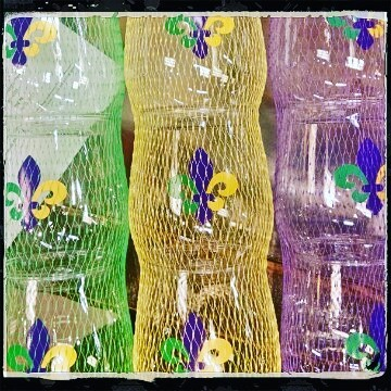 New Wine-Oh glasses @calandrosmkt Perkins just in time for #mardigras #wine #services #socute #drinkup