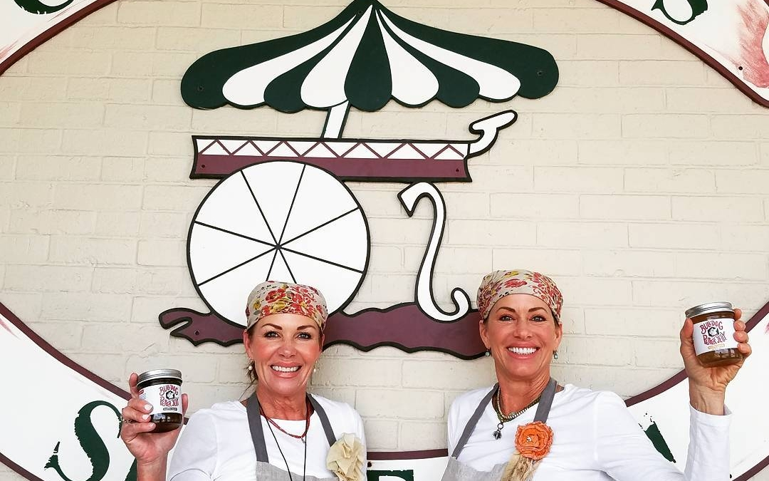 @bulldogpepperjelly demo'ing now (5/11 – 12:52pm) at Calandro's Perkins! Stop in and try some of…