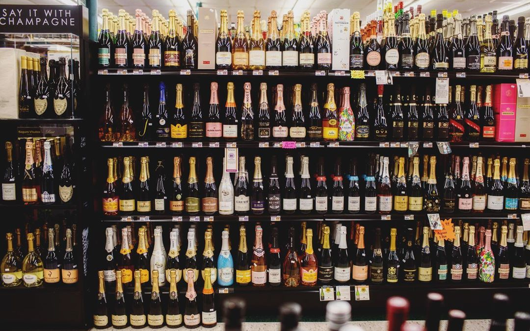 Something tells us people will be shopping for #champagne this week so we will just…