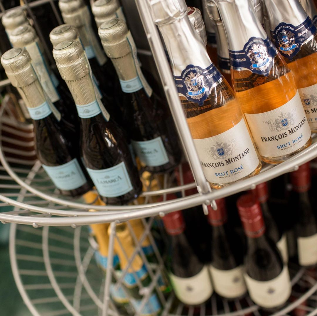 Last minute stop into Calandro's for some bubbly on your way to next year !!…